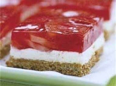 Strawberry Pretzel Salad Recipe