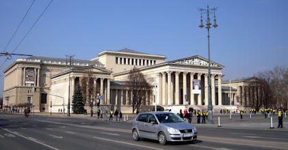 Photo: A Szépművészeti Múzeum a Hősök tere nyugati oldalán található