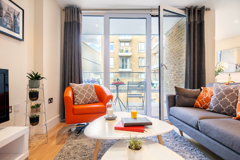 Living room at Canary Gateway Apartments, Canary Wharf
