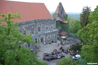 Photo: Dziedziniec zamku z najwyższego punktu, na jaki udało mi się wejść :-).