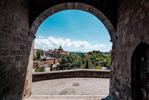 Tuscania, entrare nel Medioevo di Al