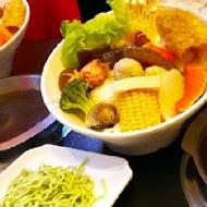 紅麻麻火鍋