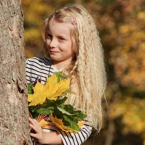 slečna by Jarka Hk - Babies & Children Child Portraits ( beauty, autumn colors, autumn, girl, portrait, fotografia )