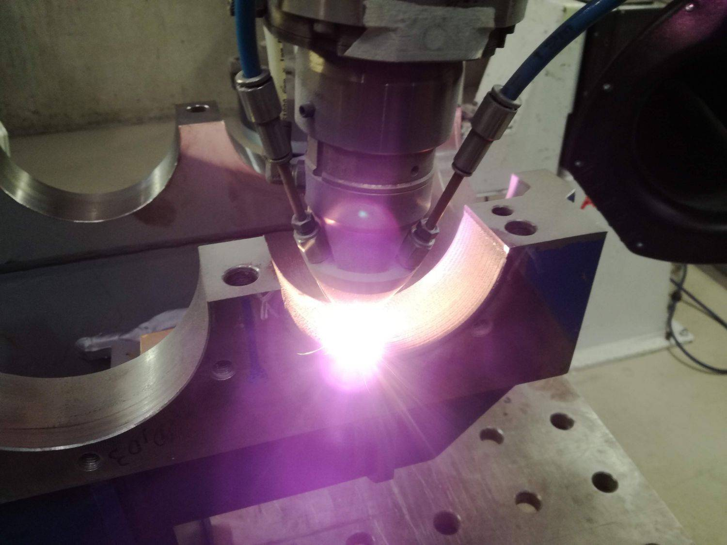 Control cost of non-quality with laser cladding