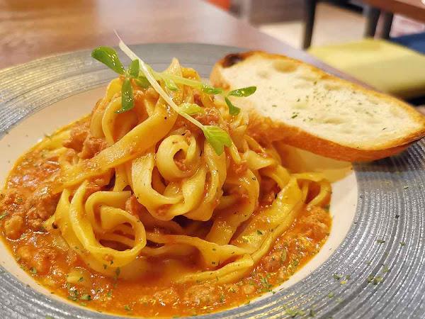 金箍義式坊,PIZZA與義大利麵都美味,服務細心、環境優,GOOGLE評價高