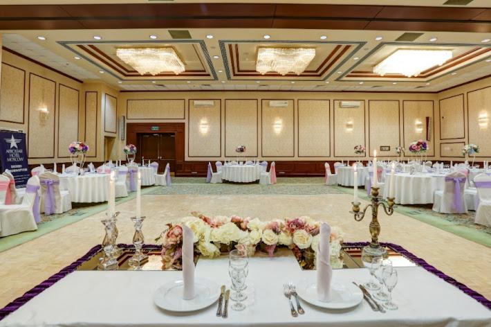 Фото №8 зала Банкетный зал «Петровский»