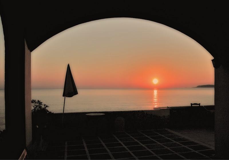 L'alba sul mare  di Patrix