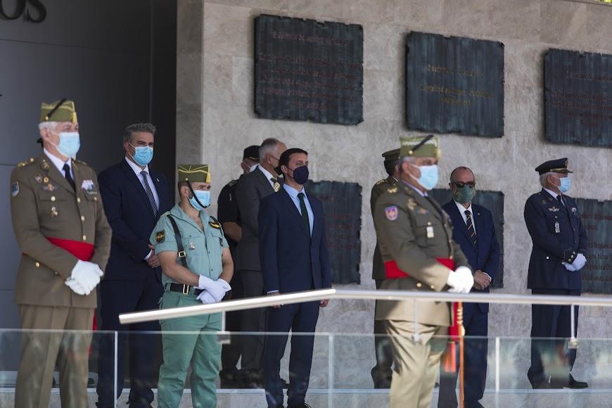 El presidente de la Diputación ha felicitado a La Legión por este aniversario y ha destacado la gran labor que llevan a cabo en la provincia.