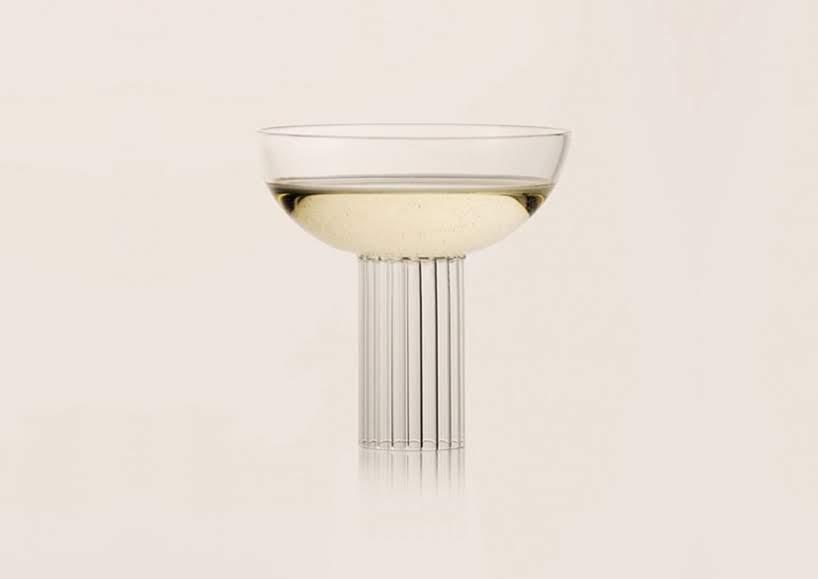Un trío de copas para cóctel inspirado en la arquitectura de Piero Portaluppi
