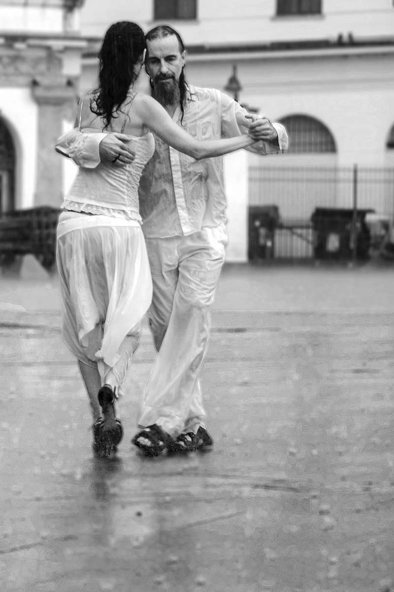 Dancing in the rain di Sabrina Scanu