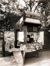 Photo: Venta de periódicos-  rue de Sèvres ( 7 arr), 1911.  - EUGÈNE ATGET