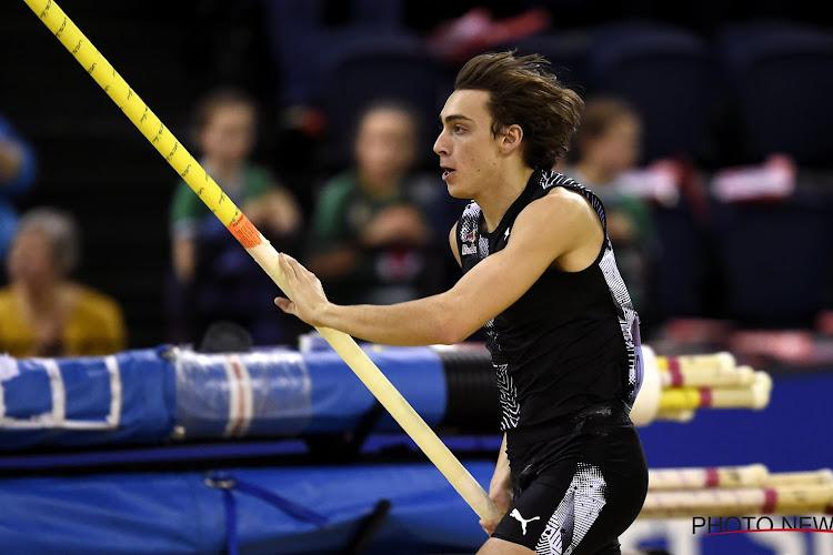 Wereld aan de voeten van Duplantis: atletieksensatie verbetert op zijn 20ste al eigen wereldrecord
