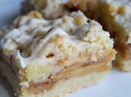 Apple Pie Streusel Bars Recipe