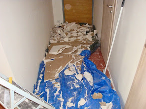 Photo: Celý sfušovaný strop je dole.