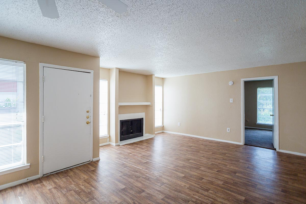 Classic B 2. Cooper Park Apartments for Rent in Arlington  Texas