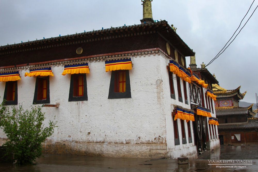 Visitar TONGREN | REPKONG (AMDO) - No coração da cultura tibetana, a chuva cai mas não nos pára | China