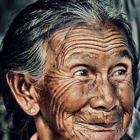 by Pt Seputra Adi Winata - People Street & Candids ( senior citizen )