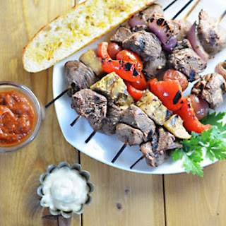 Spanish-Style Steak Skewers with Garlic Aioli