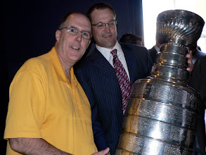 Photo: Checking out the Stanley Cup with Penguins coach Dan Bylsma at the NHL Awards ceremony in Las Vegas in 2009.