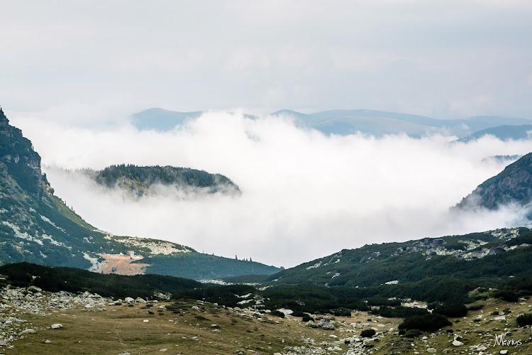 Ceţuri pe valea Roşiile, foto Marius