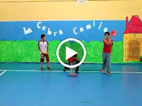 Video: Coreografias de Ed. fisica. Alumnos de 4º B de Primaria. ¡Buen trabajo campeones!