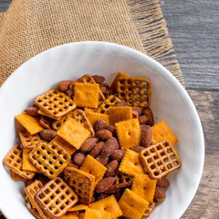 Five Minute Cheddar Almond Snack Mix