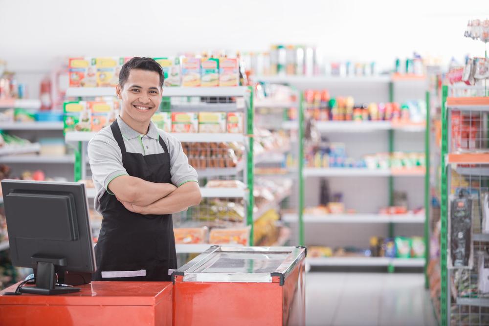 Memperhatikan kebutuhan tenaga kerja merupakan salah satu langkah manajemen minimarket yang perlu dilakukan untuk meningkatkan keuntungan