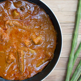 Drumstick Curry Recipe - Goan Drumstick Vegetable aka Moringa Pod Gravy with Coconut - How to make Veg Drumstick Curry + Video.