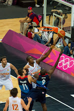 Photo: Luol Deng vs. Serge Ibaka