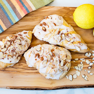Lemon Almond Scones