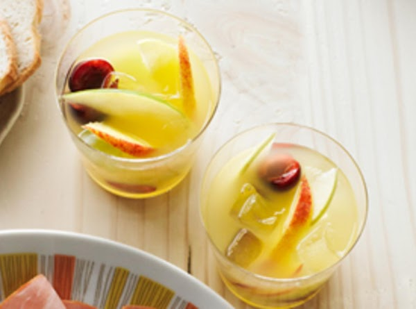 Lemon Lemonade Sangria Recipe