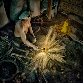 Blade Crafter by Al Hilal - People Portraits of Men ( human interest, crafter, light )