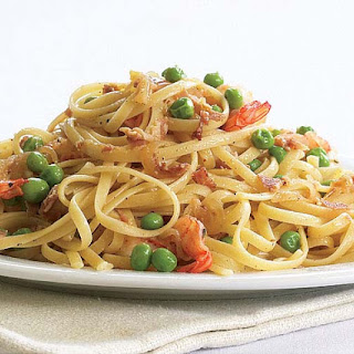 Linguine with Shrimp, Caramelized Onion, Pancetta & Peas