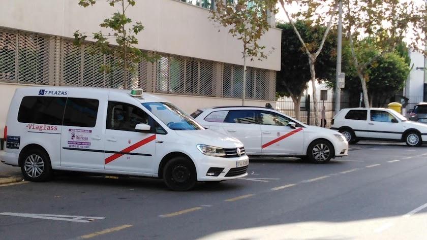 Almería ha pasado de dos taxis a dieciséis totalmente adaptados a personas con movilidad reducida
