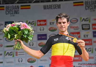 """Van Aert geeft aan tot wanneer hij kansen ziet om geel te pakken: """"Ik heb vertrouwen getankt tijdens het BK"""""""