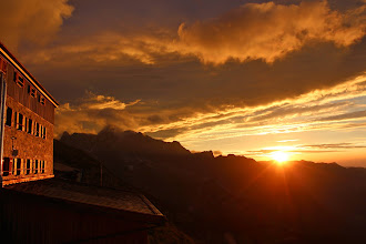 Photo: 25 Traumhafter Sonnenuntergang am Watzmannhaus