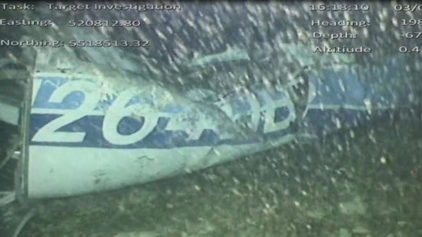 Los restos del avión de Sala.