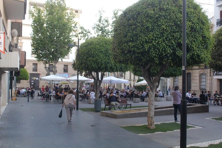 Terrazas de la hostelería de la Plaza Marqués de Heredia.