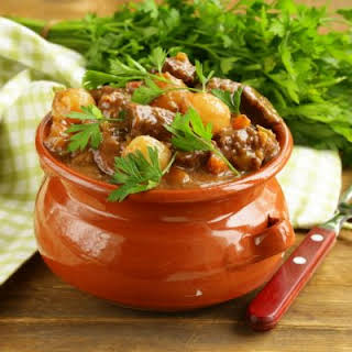 Easy Overnight Slow Cooker Beef Stew.