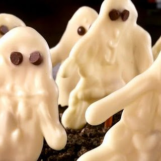 White Chocolate Ghosts in a Graveyard Recipe