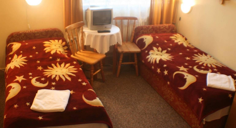 Hotel Daisy Budget