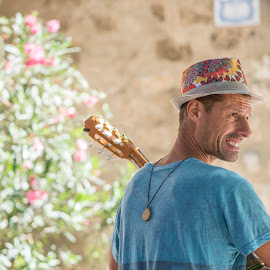 Musicista by Mauro Amoroso - People Musicians & Entertainers