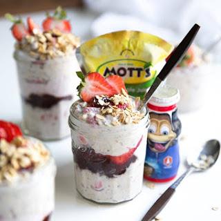 Strawberry Yogurt Overnight Oats Recipe