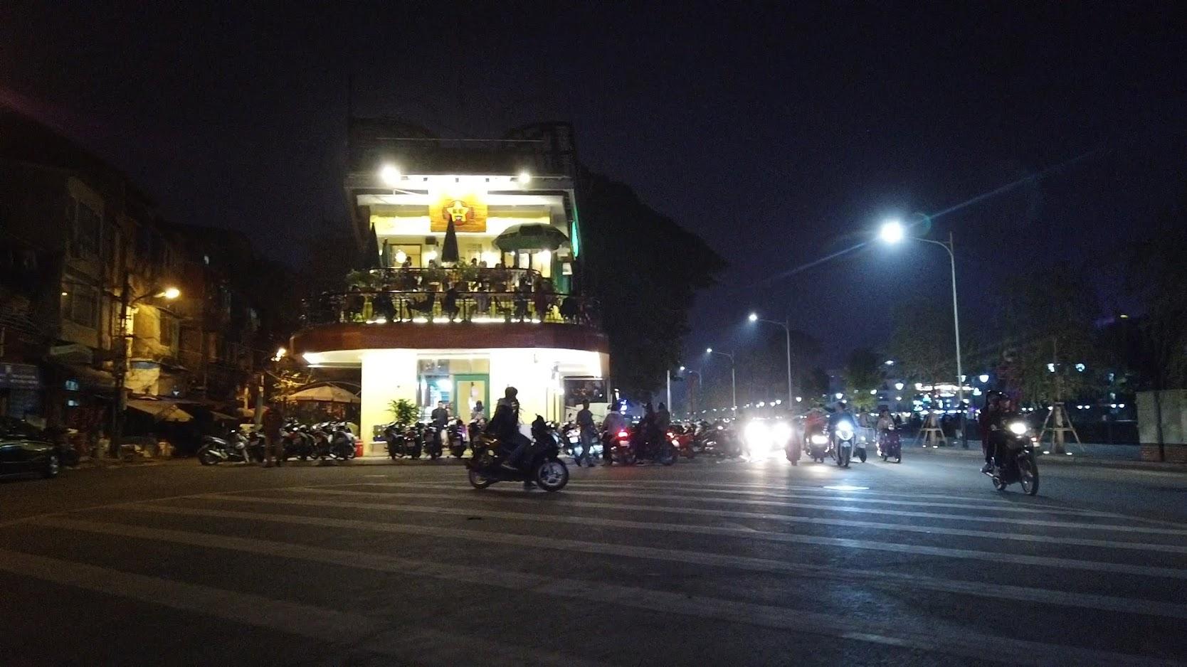 Cà phê view đẹp Bắc Việt phố đi bộ Tam Bạc ở Hải Phòng