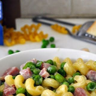 Creamy Pasta with Peas and Ham.