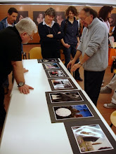 Photo: Tullio FRAGIACOMO legge il portfolio di Tullio MAREGA