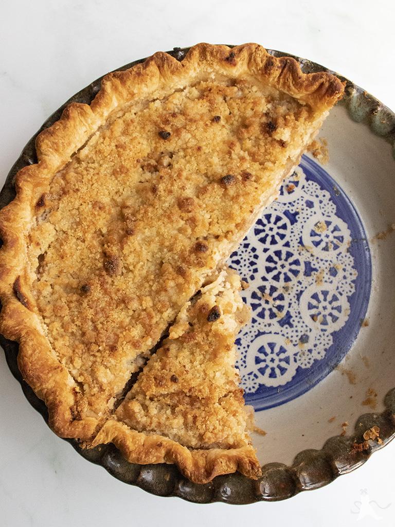 Apple crumb pie with the flakiest pie crust