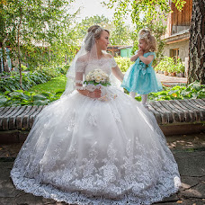 Wedding photographer Vladimir Amangaliev (Pavv). Photo of 03.10.2016