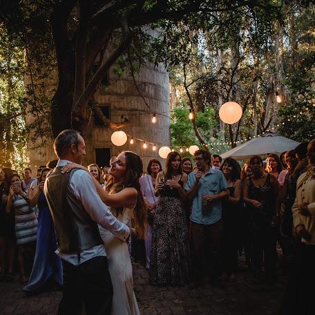 Wedding photographer Wieslaw Olejniczak (wieslawcl). Photo of 14.12.2017