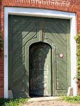 Photo: I was entering the Dutch Quarter and loved this green gate - photo miltoncontact.com